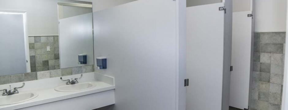 Interior bathroom design and construction contracting on the Cayman Islands